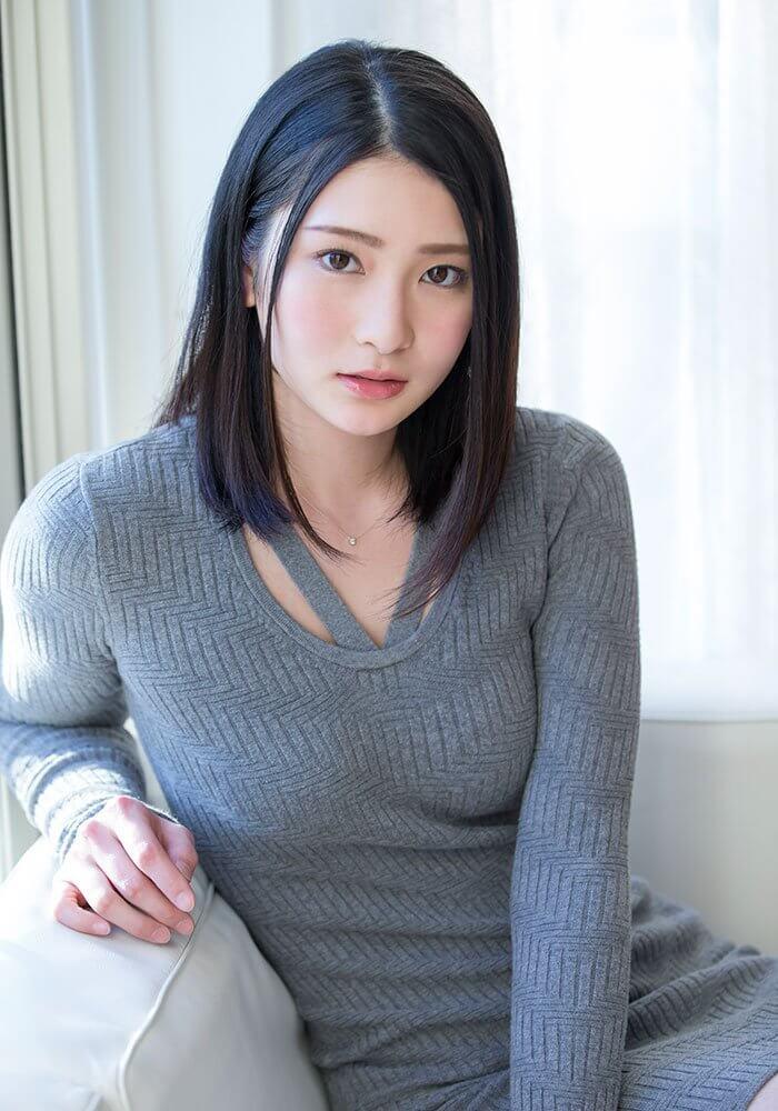혼조 스즈 (Suzu Honjo . 本庄鈴)
